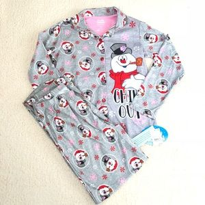 Other - NWT girls frosty pj set large